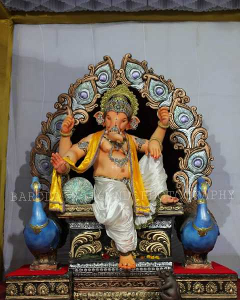 Ganpatiji at Matruchhaya Yuvak Mandal Baroda 2016